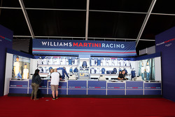 Williams Merchand ise Stand