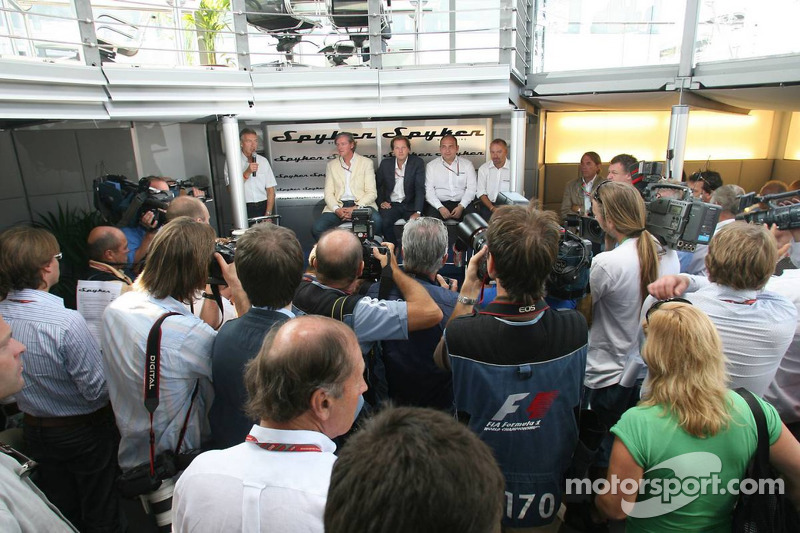 Spyker MF1 Racing press conference: Victor R. Muller, Chief Executive Officer of Spyker Cars N.V. and Spyker MF1 Racing, Michiel Mol, future Director of Formula One Racing of Spyker and Spyker MF1 Racing, Colin Kolles, Spyker MF1 Racing , Team Principal,