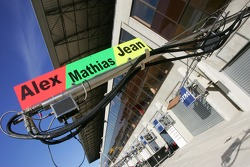 Pit-lane au Mans
