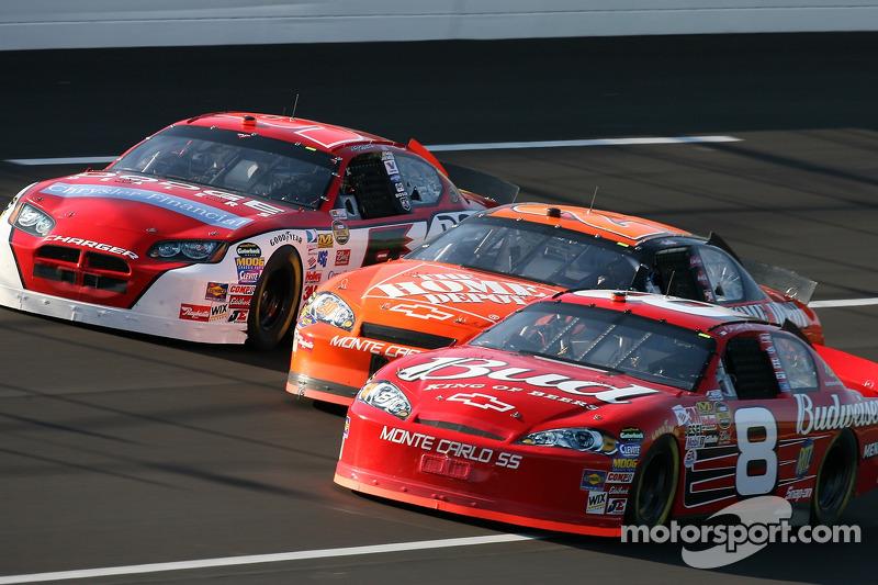 Dale Earnhardt Jr., Tony Stewart et Kaset Kahne
