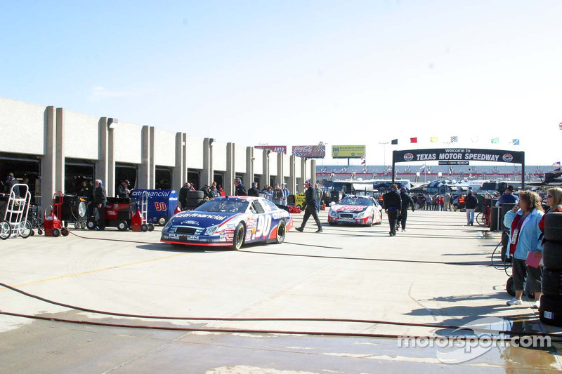 Zone de garages au Texas Motor Speedway