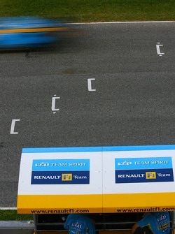 Renault F1 Team pitwall