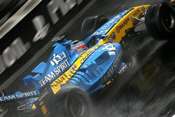 Jonathan Cochet has a demo run with the Renault R26 F3