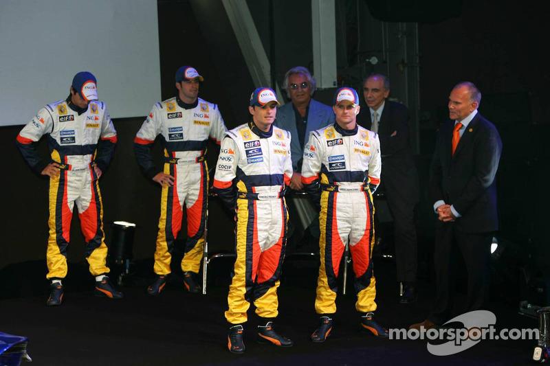 Giancarlo Fisichella, Heikki Kovalainen, Nelson A. Piquet, Ricardo Zonta and Flavio Briatore