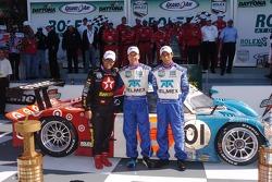 DP Podium : les vainqueurs Scott Pruett, Juan Pablo Montoya, Salvador Duran
