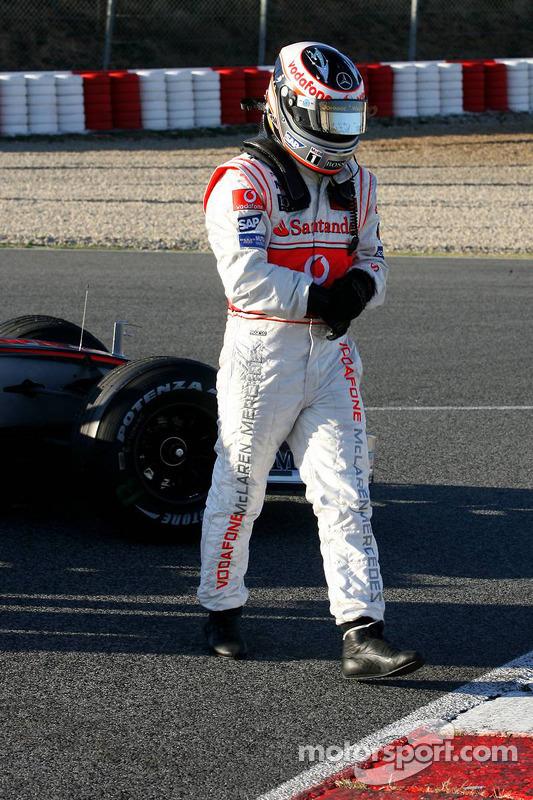 Zwischenfall: Fernando Alonso, McLaren MP4-22