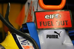 Renault F1 Team, fuel out, sign