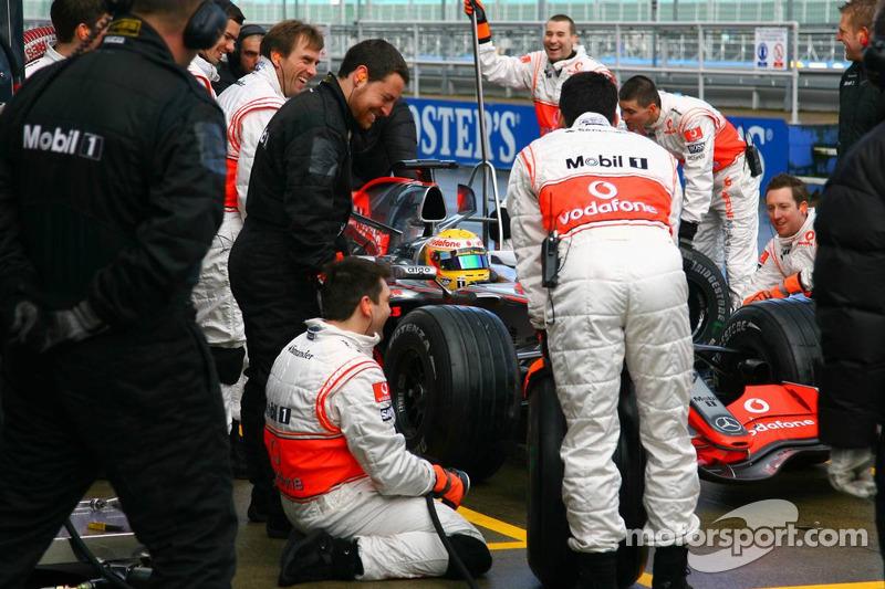 Arrêt au stand de Lewis Hamilton