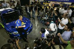 Lanzamiento Subaru Impreza WRC2007: Petter Solberg con el Impreza WRC2008