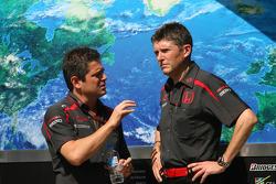 Gil de Ferran, Honda Racing F1 Team, Sporting Director and Nick Fry, Honda Racing F1 Team, Chief Executive Officer