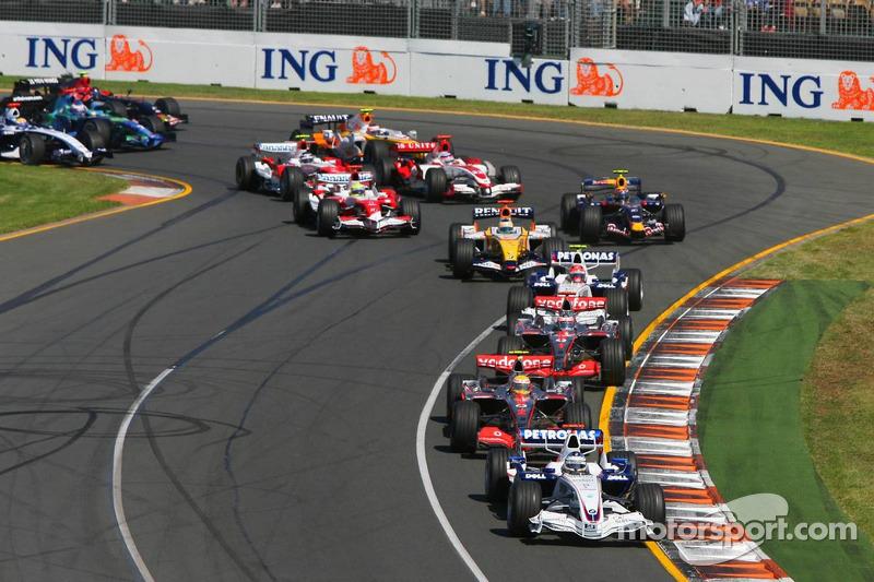 Nick Heidfeld, BMW Sauber F1 Team, F1.07, Lewis Hamilton, McLaren Mercedes, MP4-22, Fernando Alonso,
