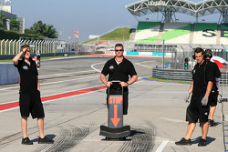 Super Aguri F1 team members