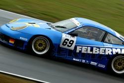 #69 Team Felbermayr-Proton Porsche 996 GT3 RSR: Gerold Ried, Marc Basseng