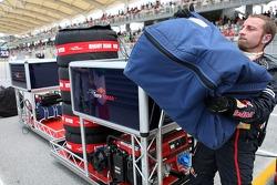 Scuderia Toro Rosso pit equipment