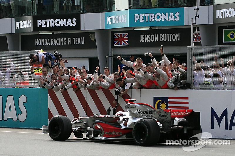 12º Fernando Alonso - 17 carreras - De China 2006 a Bélgica 2007 - Renault y McLaren