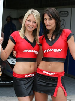 Avon Tyres girls