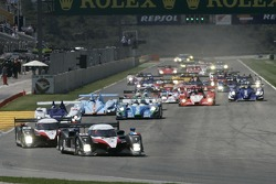 Start: #8 Peugeot Total Peugeot 908 HDI FAP: Pedro Lamy, Stéphane Sarrazin leads the field