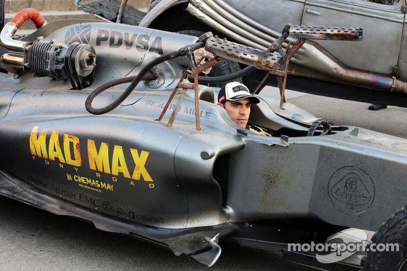 Пастор Мальдонадо, Lotus F1 Team рекламує фільм Mad Max: Fury Road