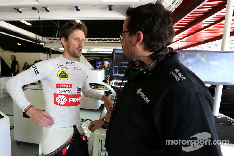 Romain Grosjean, Lotus F1 Team e engenheiro Julien Simon-Chautemps