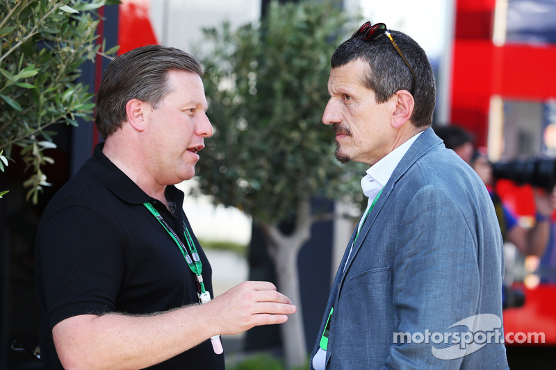 Zak Brown, Just Marketing International, e Gunther Steiner, Haas F1 Team