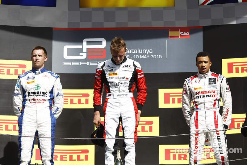 Podium: second place Jimmy Eriksson, Korainen GP and winner Marvin Kirchhofer, ART Grand Prix and th
