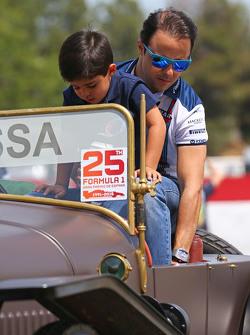 费利佩·马萨, 威廉姆斯车队,和儿子费利佩尼奥·马萨在车手巡游上