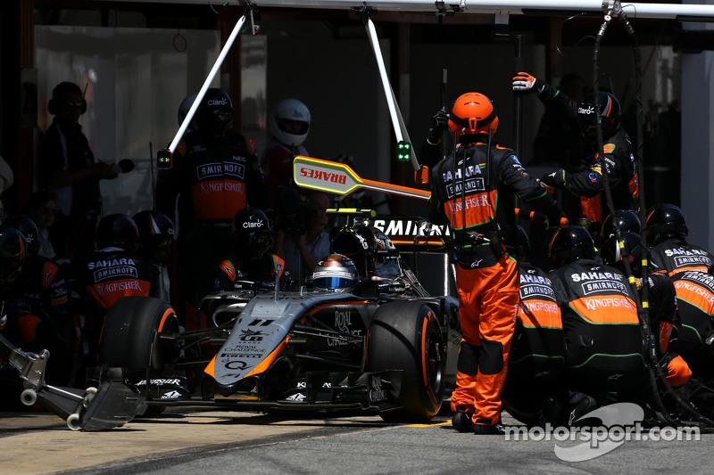 Sergio Perez, Sahara Force India, beim Boxenstopp