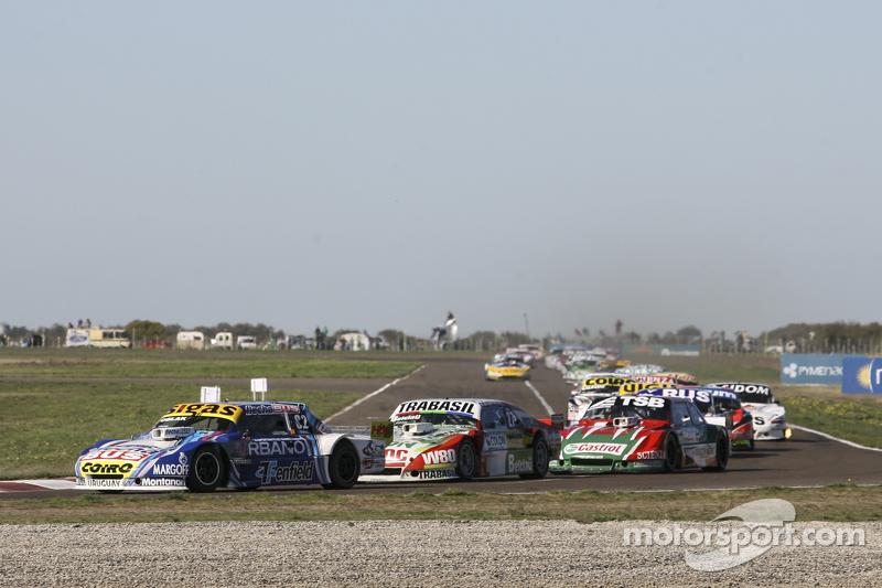Mauricio Lambiris, Coiro Dole Racing, Torino; Mariano Altuna, Altuna Competicion, Chevrolet, und Jose Manuel Urcera, JP Racing, Torino