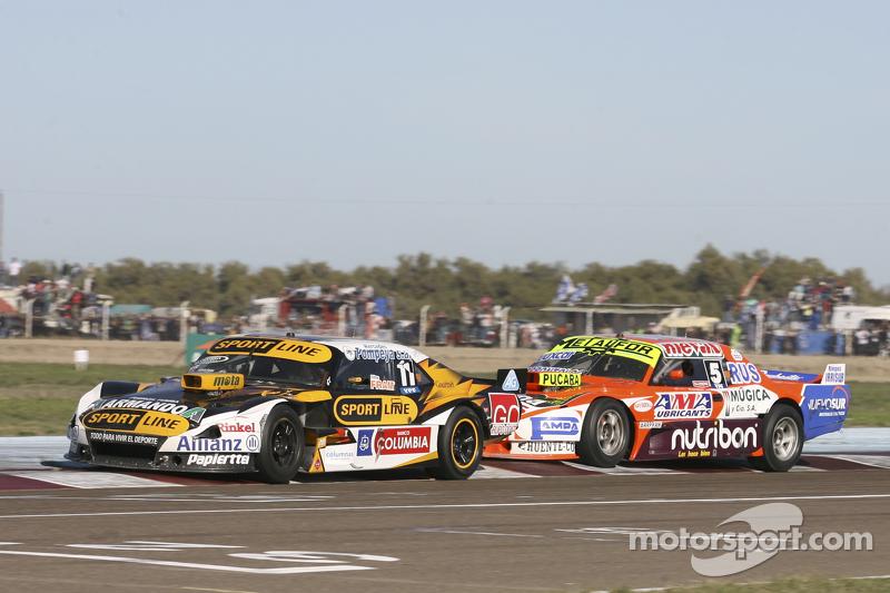 Leonel Pernia, Las Toscas Racing, Chevrolet, und Jonatan Castellano, Castellano Power Team, Dodge