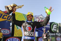 El ganador de Top Fuel, Antron Brown