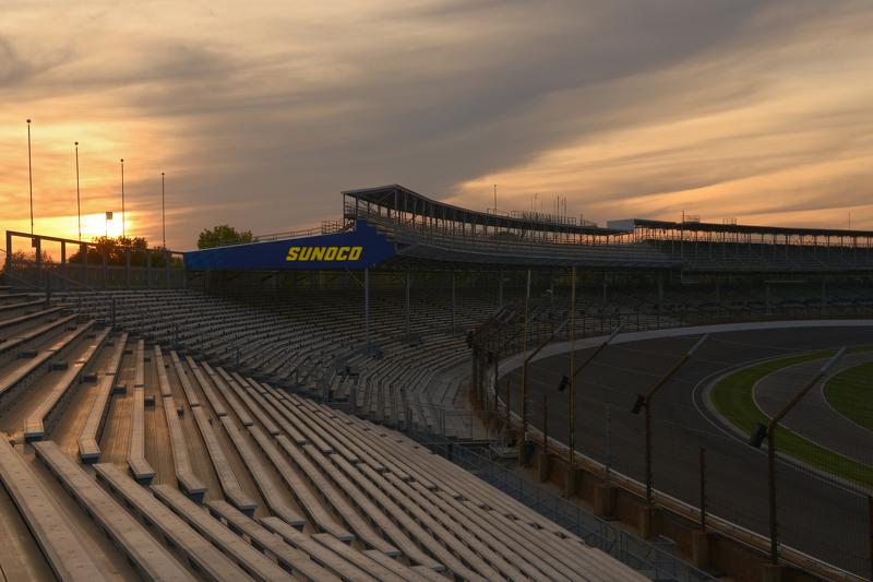 Matahari terbenam di atas Indianapolis