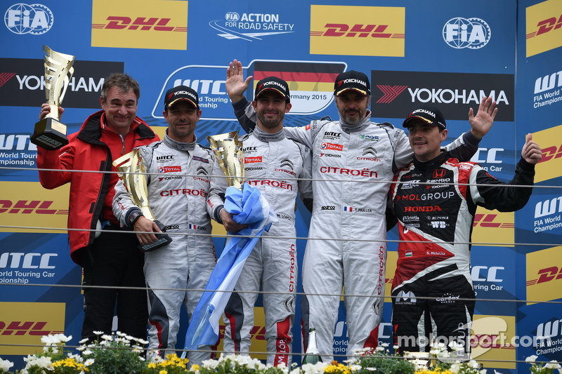 Race 1 Podium: Sébastien Loeb and Jose Maria Lopez and Yvan Muller, Citroën World Touring Car team and Norbert Michelisz, Zengo Motorsport