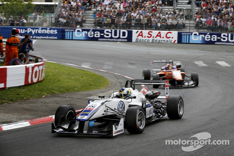 Sérgio Sette Câmara, Motopark, Dallara Volkswagen, und Mikkel Jensen, Mücke Motorsport, Dallara Mercedes-Benz
