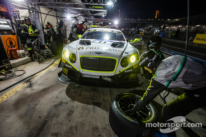 Pit stop for #11 Bentley Team HTP Bentley Continental GT3: Harold Primat, Christopher Brück, Clemens Schmid, Marco Seefried