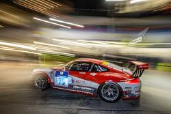 Pitstop voor #75 Getspeed Performance Porsche 997 GT3 Cup: Adam Osieka, Dieter Schornstein, Andy Sam