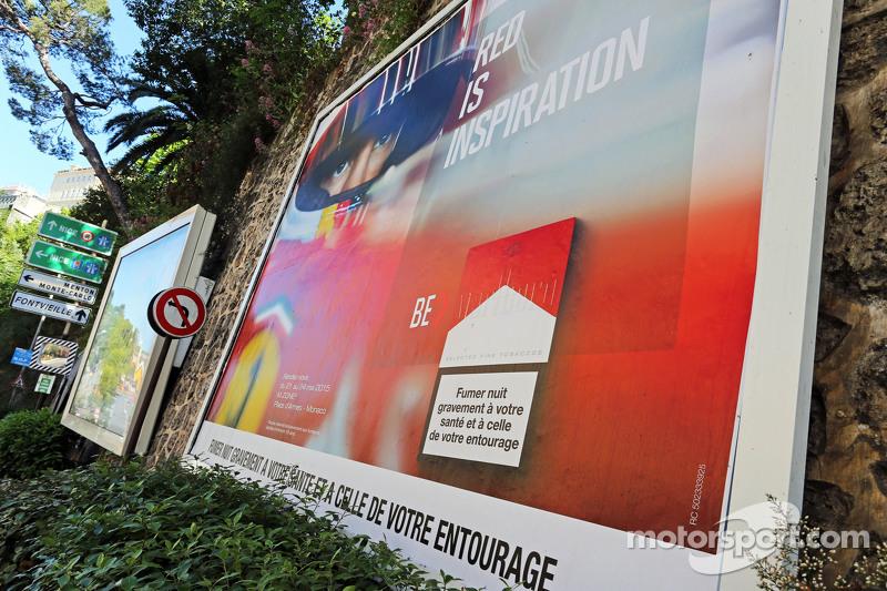 Marlboro рекламуs featuring an image of Себастьян Феттель, Ferrari