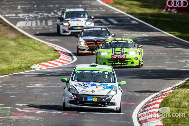 #154 Renault Clio Cup: Kouichi Okumura, Teruhiko Hamano, Nadir Zuhour, Mohammed Al Owais