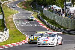 #62 GDL Racing Porsche 911 GT3 Kupası: Paul Stubber, Vic Rice, Nicola Bravetti, Holger-Peter Fuchs, #7 Aston Martin Racing Aston Martin Vantage GT3: Stefan Mücke, Darren Turner, Pedro Lamy, Richie Stanaway
