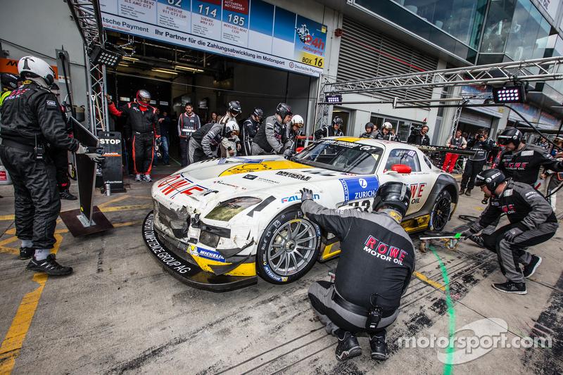 Pit stop for #23 Rowe Racing Mercedes-Benz SLS AMG GT3: Klaus Graf, Christian Hohenadel, Nico Bastian, Thomas Jäger