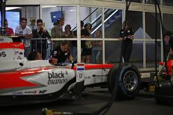 MP Motorsport практикує піт-стоп