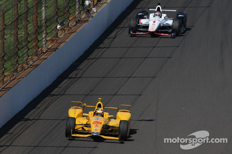 Ryan Hunter-Reay, Andretti Autosport, Honda, und Will Power, Team Penske, Chevrolet