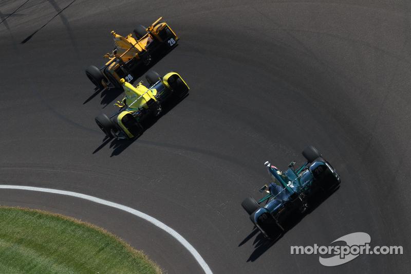 Ryan Hunter-Reay, Andretti Autosport, Honda; Sage Karam, Chip Ganassi Racing, Chevrolet, und Ed Carpenter, CFH Racing, Chevrolet