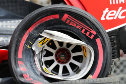 Damaged wheel on the Ferrari SF15-T of Kimi Raikkonen, Ferrari after he crashed in the third practice session