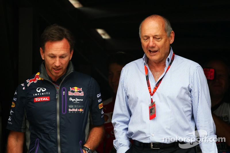 (De izquierda a derecha): Christian Horner, de Red Bull Racing, director del equipo, Ron Dennis presidente ejecutivo de McLaren