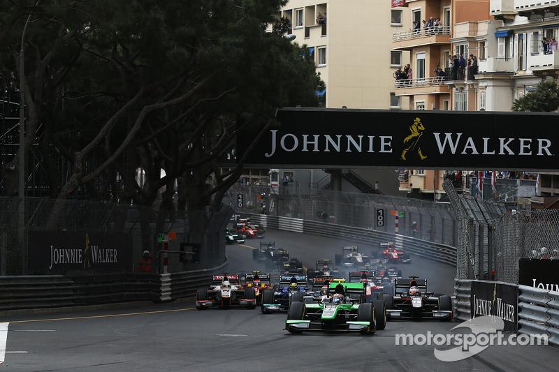 Richie Stanaway, Status Grand Prix, vor Raffaele Marciello, Trident, beim Start