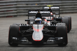 Fernando Alonso und Jenson Button, McLaren MP4-30 Honda