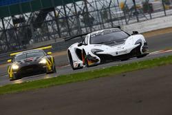 #59 Von Ryan Racing McLaren 650S GT3 : Nicolas Lapierre, Alvaro Parente, Adrian Quaife-Hobbs