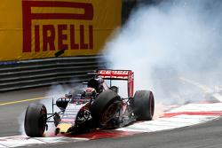 Max Verstappen, Scuderia Toro Rosso accidente con Romain Grosjean, Lotus F1 Team