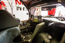 #21 Nissan Motorsports kokpit Nissan GT-R LM NISMO