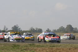Guillermo Ortelli, JP Racing Chevrolet and Camilo Echevarria, Coiro Dole Racing Torino and Matias Rossi, Donto Racing Chevrolet and Luis Jose di Palma, Indecar Racing Torino